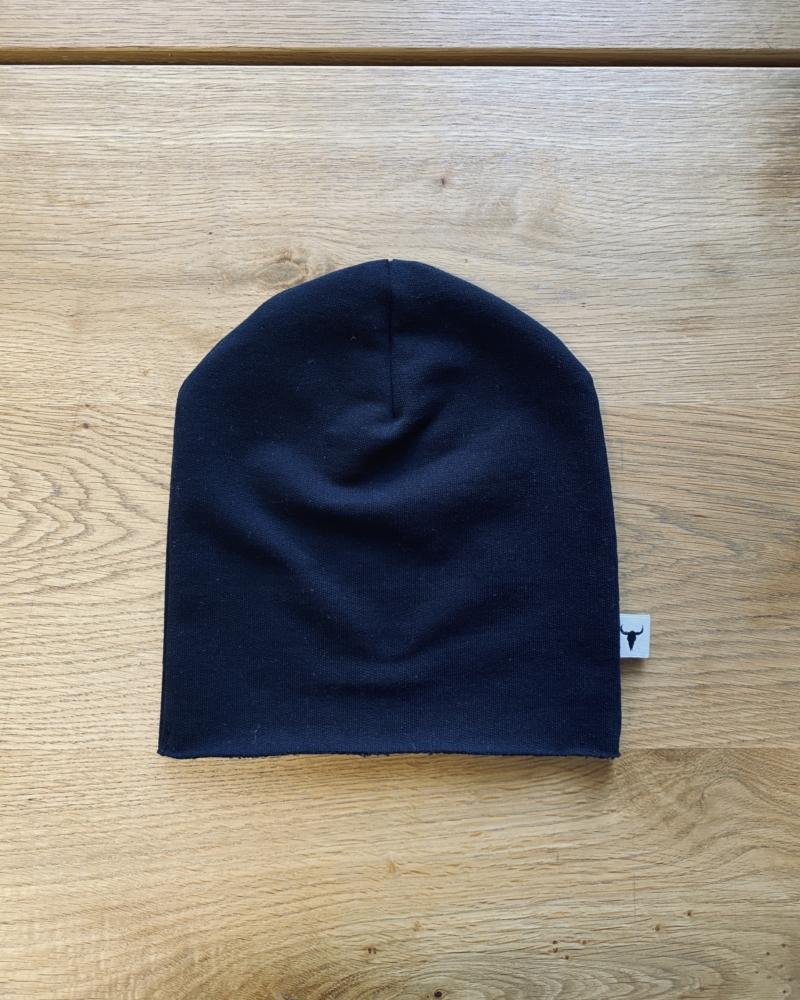 SIMPLE BLACK BEANIE black